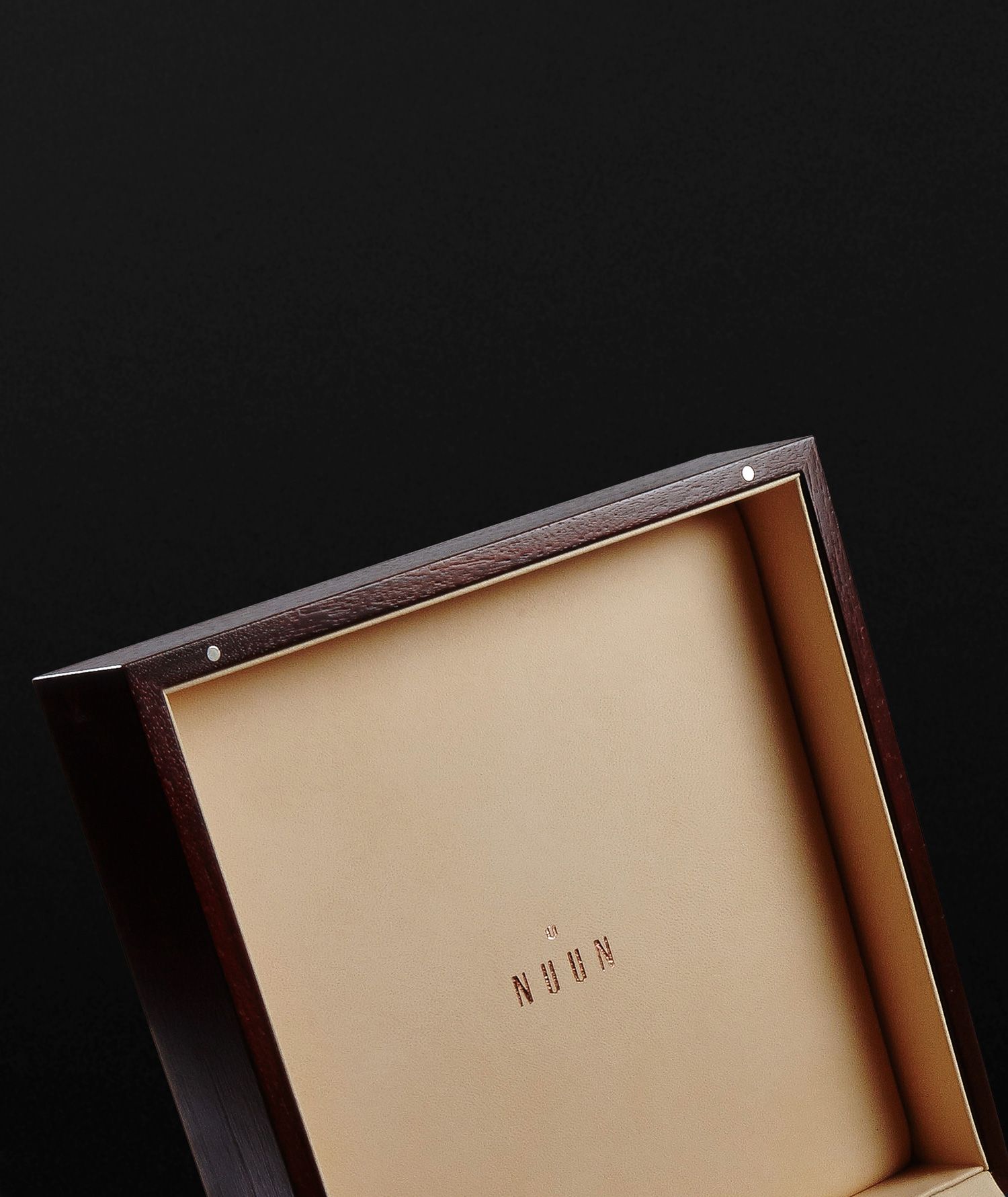 Progress Packaging Nuun Jewelery Wood Etched Luxury Retail Boxes Closure Magnets