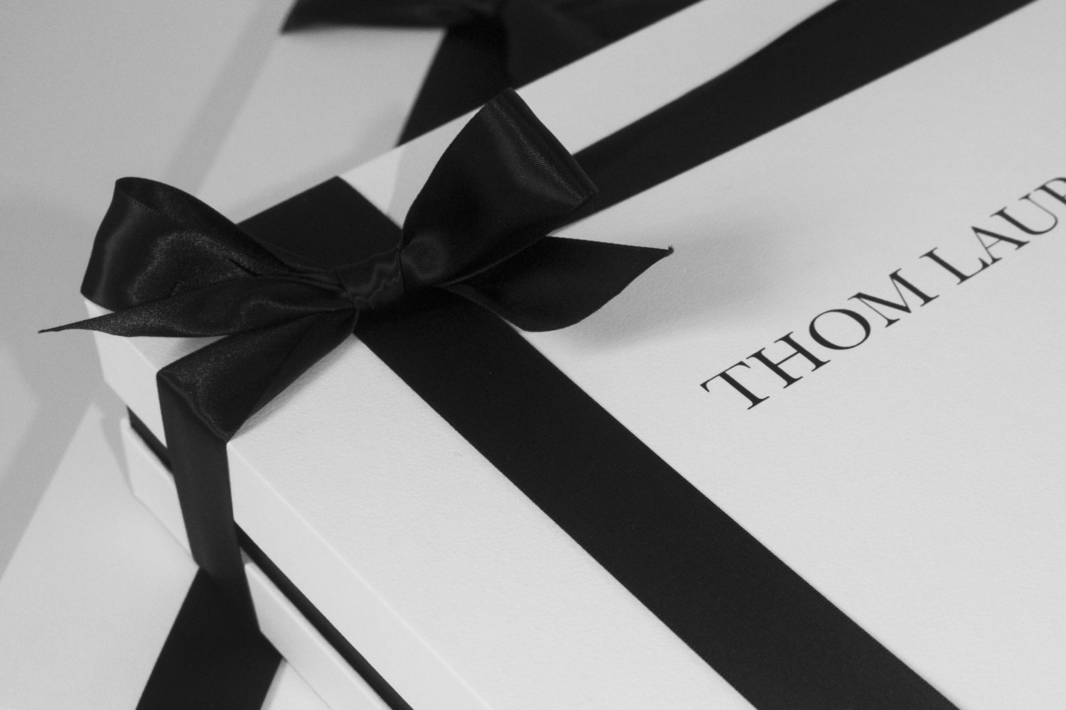 Progress Packaging Thom Laurence Bespoke Luxury Colorplan Embossed Blackfoil Box Manufacture Production Print Ribbon 04