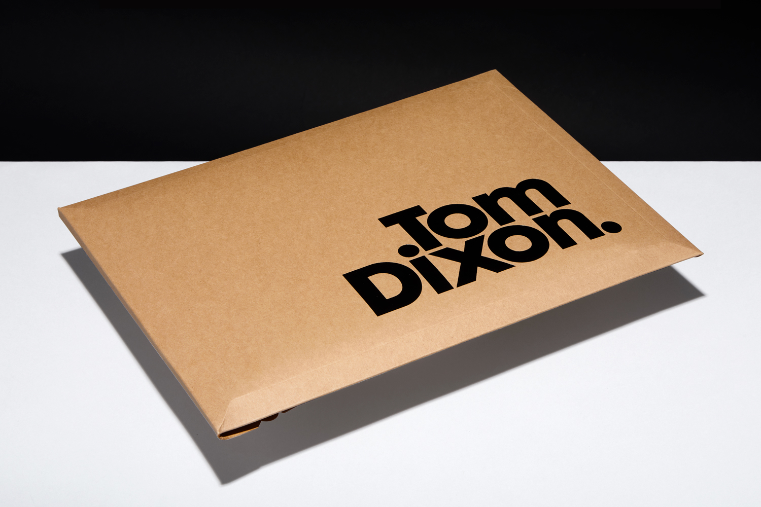Progress Packaging Tom Dixon Environmentally Friendly Luxury Bespoke Retail Pcw Recyclable Kraft Envelope Accessories Mailer Black Foil 01