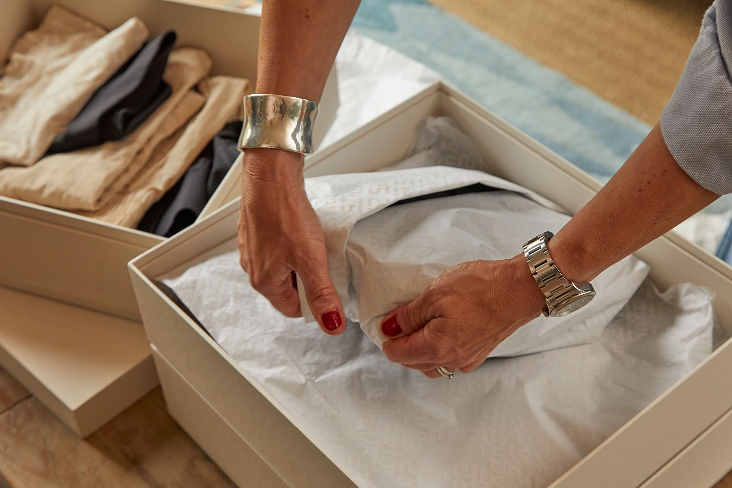 Vip Gifting Packaging Production Manufacture Halle Berry Sweaty Betty Handmade Launch A List Celebrity Tyvek Colorplan G F Smith Luxury Box Custom Bag Limited Edition Progress 23